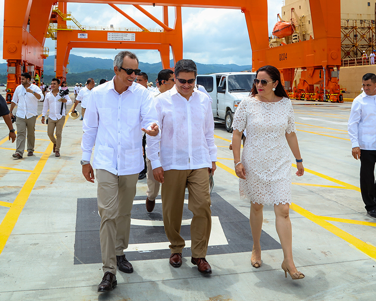 Honduran President with ICTSI Chairman Enrique Razon Jr.