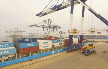 yantai-international-container-terminals-4